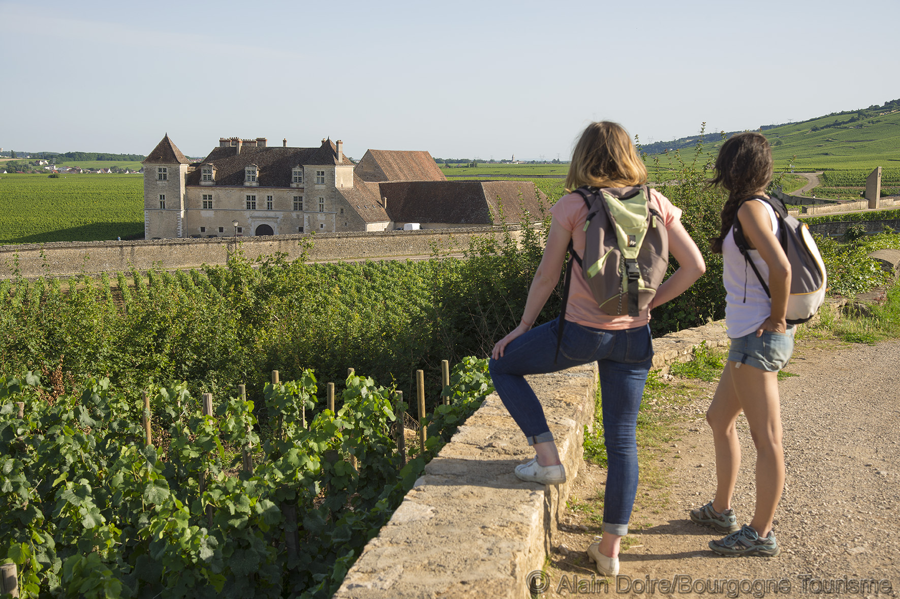Walk_vineyard_Vougeot_Photo Alain Doire