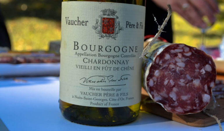 Bourgogne wine and break